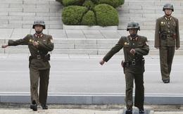 Màn trốn chạy đầy kịch tính của lính Triều Tiên bị đồng đội bắn 40 phát đạn