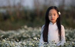 Cô bé được mệnh danh là 'Tiểu Châu Tấn' đẹp hút hồn với bộ ảnh chụp cùng cúc họa mi