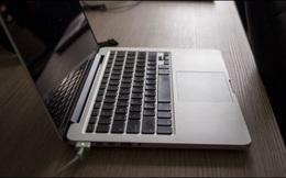 Có nên cắm sạc liên tục cho laptop?