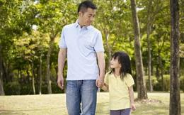 Bố dẫn con gái vào nhà vệ sinh nữ, người mẹ tức giận tạo nên cuộc tranh cãi gay gắt