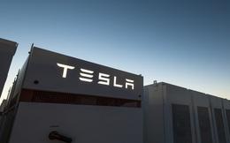 Elon Musk vừa hoàn thiện viên pin lớn nhất thế giới