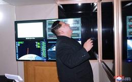 """Tướng quân đội Mỹ – Trung """"bí mật"""" họp sau vụ thử tên lửa Triều Tiên"""