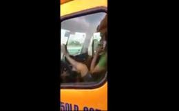 Phạt tài xế lái xe container bằng chân 8,2 triệu đồng, tước bằng 3 tháng