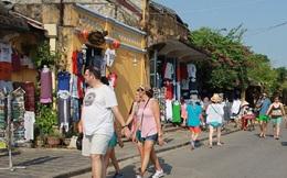 Du khách nước ngoài đến Việt Nam đông kỷ lục