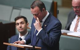 Nghị sĩ Australia cầu hôn bạn trai đồng tính trước Quốc hội