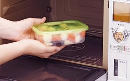 Giải mã tin đồn về đồ nhựa: Quá lạnh, quá nóng đều gây ung thư - tin được không?
