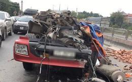 Tai nạn hy hữu: Xe container rụng mất buồng lái sau khi đâm vào xe tải chở gạch