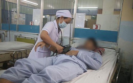 Cứu sống bệnh nhân sốc sốt xuất huyết kèm loét tá tràng