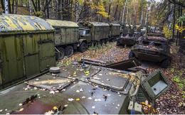 """Choáng ngợp trước """"nghĩa địa"""" xe tăng và trang thiết bị vũ khí của Nga"""