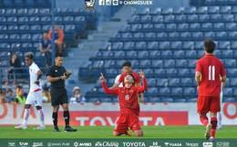 """HLV Myanmar thừa nhận """"không ngờ nổi"""" sức mạnh của U23 Việt Nam"""