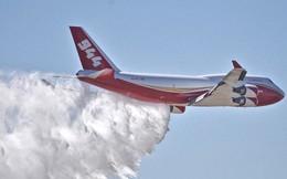 Xem siêu máy bay chữa cháy Global Super Tanker mang trong mình hơn 75 ngàn mét khối chất dập lửa