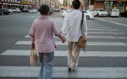 """""""Hôn nhân hợp tác"""": Vỏ bọc giấu mình của người đồng tính Trung Quốc"""
