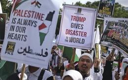 Gần 10.000 người Indonesia biểu tình trước sứ quán Mỹ tại Jakarta