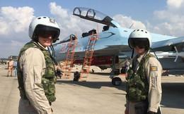 Ông Putin bất ngờ tới Syria, hạ lệnh khởi động rút quân Nga