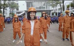 Nhảy flashmob là phải 'chất' như sinh viên Đại học Xây dựng trong clip này
