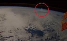 Sử dụng khoa học, cựu nhân viên NASA giải mã hầu hết những lần người dân nhìn thấy UFO