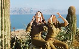 Vẻ đẹp đời thường đầy mê hoặc của các nữ quân nhân Israel