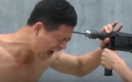 Clip: Máy khoan cắm thẳng vào đầu võ sư Thiếu Lâm Tự
