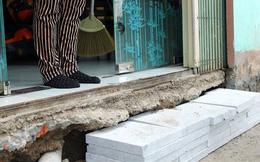 Vỉa hè trăm tỷ lát đá tự nhiên chờ thanh tra: Người Hà Nội bắc cầu vào nhà