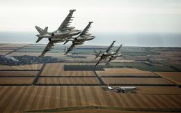Nga đanh thép cảnh báo Mỹ: Su-25 đang bận đánh khủng bố, F-22 hãy dẹp ra, đừng quấy nhiễu!