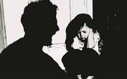 Kẻ bắt cóc trẻ em đòi 100 triệu tiền chuộc rút dao đâm 2 công an khi bị bao vây