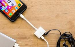 Vì sao nhiều hãng điện thoại bỏ hẳn cổng kết nối tưởng như không thể thiếu trên smartphone?