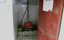 Bán dâm trong phòng tắm vì… nhà quá chật