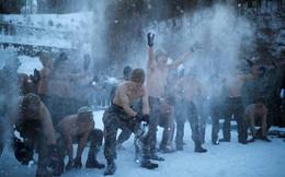 24h qua ảnh: Lính Mỹ-Hàn cởi trần tập trận trong tuyết lạnh dưới 20 độ C