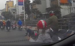 Nữ Ninja đang đi thì tự ngã khiến 6 xe đi sau ngã cùng cho vui trên cầu vượt Trần Khát Chân