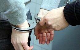 Tạm giam trung uý cảnh sát bị bắt quả tang nhận hối lộ của tài xế vi phạm