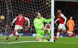 """Thư gửi ông già Noel: """"Hãy tặng cho Liverpool một trung vệ và một thủ môn giỏi"""""""