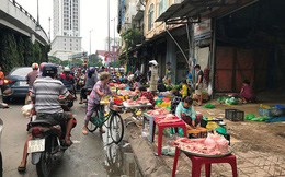 Dẹp chợ cóc lấn chiếm vỉa hè ở trung tâm quận 1