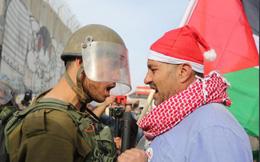 Giáng sinh khói lửa: Người Palestine và quân đội Israel lao vào nhau giữa nơi Chúa ra đời