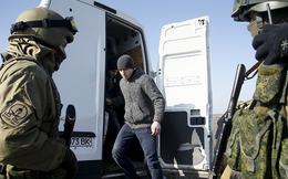 Chính phủ Ukraine và phe ly khai bắt đầu đợt trao đổi tù binh lớn nhất