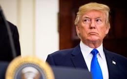 """Tổng thống Trump rơi vào """"cơn bão lửa chính trị"""" sau vụ bạo động ở Charlottesville"""