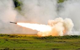 """Mỹ bán """"hỏa thần"""" HIMARS cho láng giềng của Ukraine để chống Nga"""