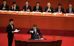 """Đại biểu TQ phải vượt qua những """"cửa ải"""" nào để bước vào Đại lễ đường Nhân dân Bắc Kinh?"""