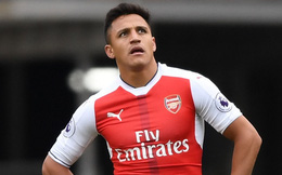 Muốn đi không được, Sanchez còn gặp chuyện trong phòng thay đồ Arsenal