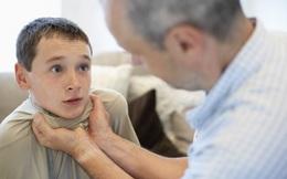 Con trai 10 tuổi bị đánh gãy xương vì nhắc đến nhân tình của bố