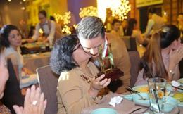 Tiệc sinh nhật khủng của Đàm Vĩnh Hưng: Nghẹn ngào vì câu nói của mẹ!