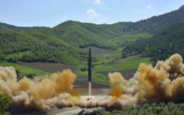 Triều Tiên tuyên bố thử thành công lần 2 tên lửa đạn đạo liên lục địa Hwasong-14