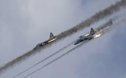"""Sự thật trơ trẽn về """"lệnh rút quân là đòn gió"""": Su-24 co về, Su-25SM3 bất ngờ sang Syria"""