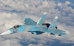 """Kèm sát như duyệt binh, tiêm kích Su-27 Nga vừa """"trêu ngươi"""" máy bay trinh sát P-8A Mỹ"""