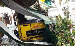 Xe tải tông chết hai mẹ con đang ngủ trong quán giải khát