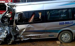 2 xe va chạm lúc rạng sáng, bé trai chết thảm, tài xế nguy kịch
