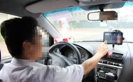 Khách gọi xe đi chặng đường ngắn, tài xế chửi bới, quát nạt đòi thêm tiền