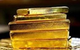 Nữ hành khách mang 2 miếng kim loại nghi là vàng lên máy bay