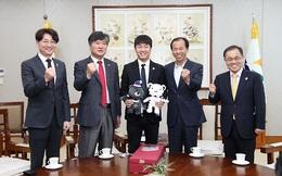 Xuân Trường chính thức làm Đại sứ, được Thống đốc Gangwon nhận làm cháu nuôi