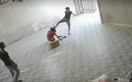 Video nhóm côn đồ xông vào đánh đập người phụ nữ nằm lê lết dưới nền nhà