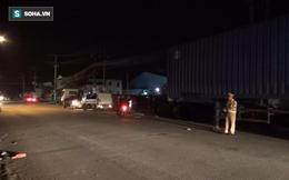 Tông đuôi xe container đỗ bên đường, 4 người trong gia đình nguy kịch